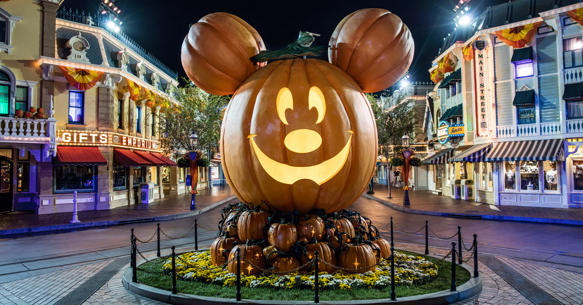 large pumpkin display at Disneyland Park